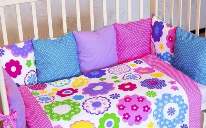 Как сшить бортики-подушки в детскую кроватку для новорожденных?